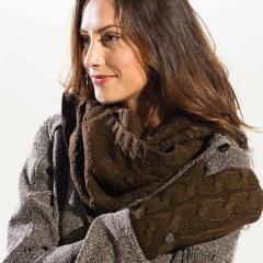 Women's Cable Scarf