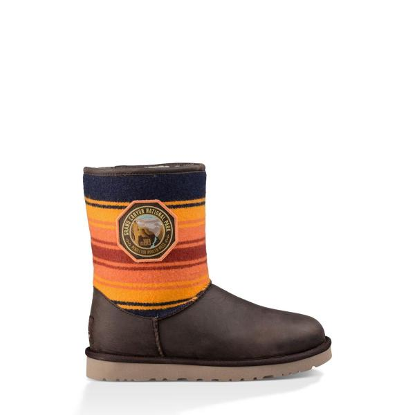UGG Australia Coupon Codes & Promo codes - aisnp.ml Lined with Twinface sheepskin and cosy UGGpure™ wool, UGG boots and our casual shoes are the epitome of relaxed style and offer comfort that feels like nothing else.